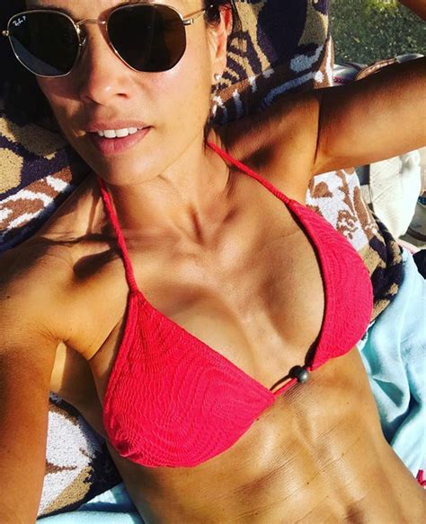 Melanie Sykes Instagram: TV babe sets pulses racing with